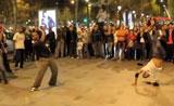 رقص هيب هوب في الشانزيلزيه- باريس
